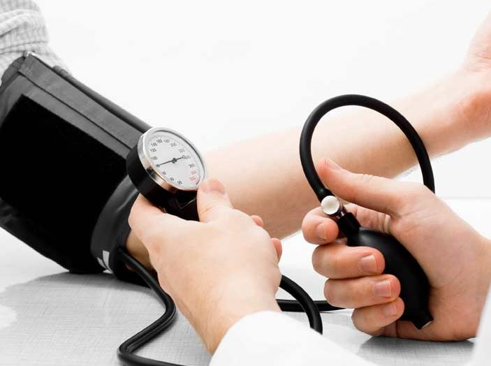 signs-hypertension-elderly-big-hearts