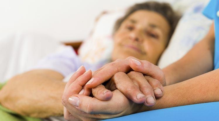 caring-elderly-parent-cancer