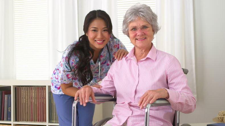 qualities-good-caregiver-big-hearts-adult-daycare