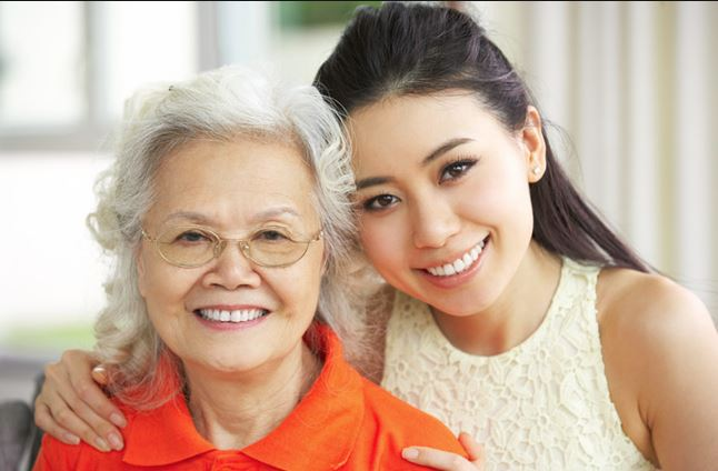 talking-to-elderly-parents-assisted-living